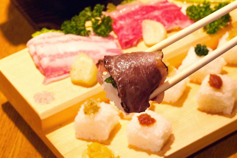 田子ガーリックステーキごはん 無料素材1